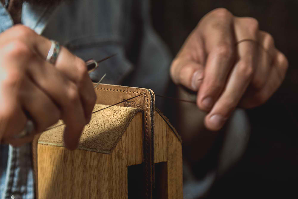 leather-stitching-by-hand