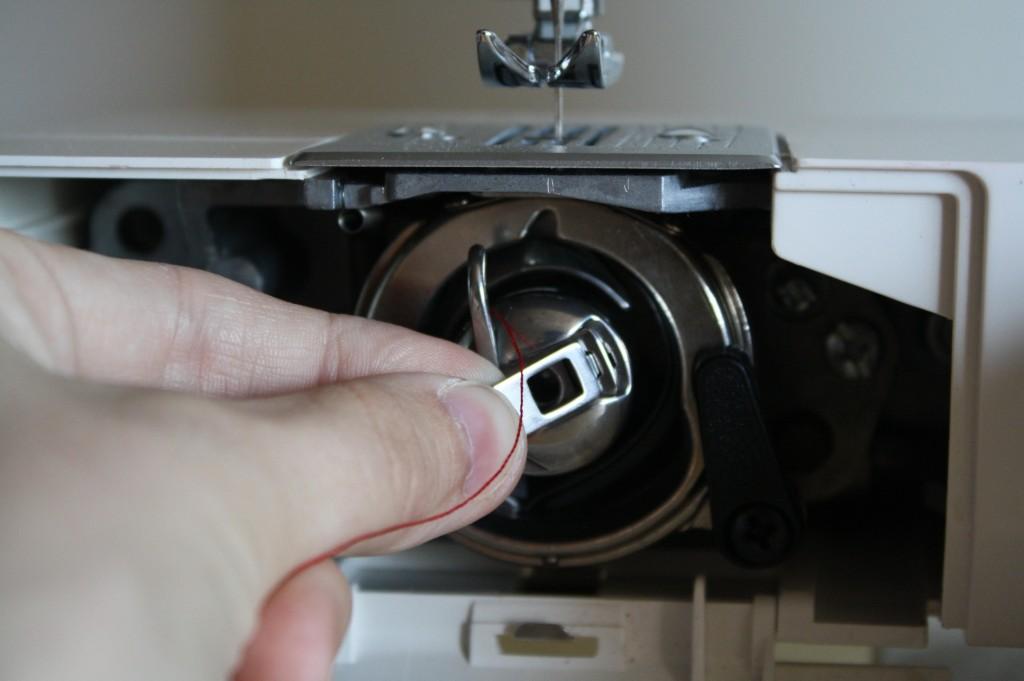 use-sewing-machine-3