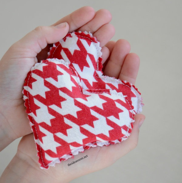 Sewing projects for kids #28 - Heart hand warmer