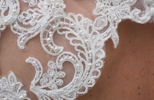 How to Sew Lace - Alencon Lace