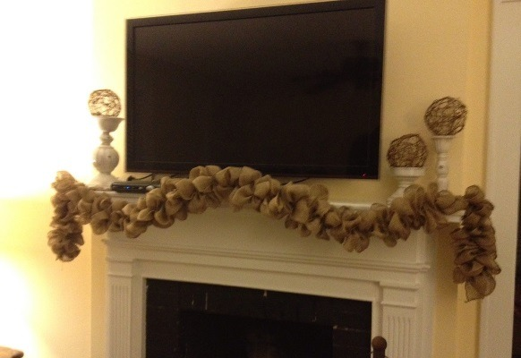 Burlap Decorating Ideas #23: Burlap Garland