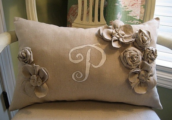 Burlap Decorating Ideas #19: Burlap Pillow