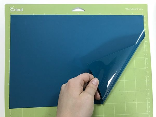 Placing Your Vinyl on The Cutting Mat