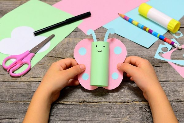 10 Easy and Fun Papercrafts Using Cardstock Papers